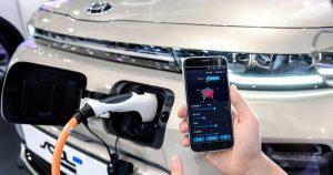 Kia predstavlja tehnologiju prilagođavanjaperformansi električnih vozila pomoću pametnihtelefona