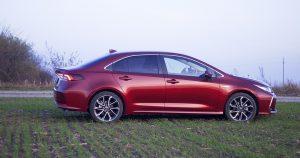 Garaža test – Toyota Corolla 1.8 HSD Executive