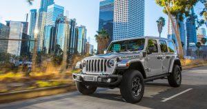 Novi Jeep® Wrangler 4xe se pridružuje 4xe modelima Renegade i Compass u globalnoj ponudi električnih vozila brenda