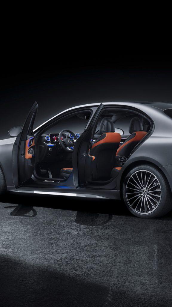 Mercedes-Benz C-Klasse, 2021, Selenitgrau magno, Leder zweifarbig Sienabraun/Schwarz // Mercedes-Benz C-Class, 2021, selenite grey magno, siena brown/black leather