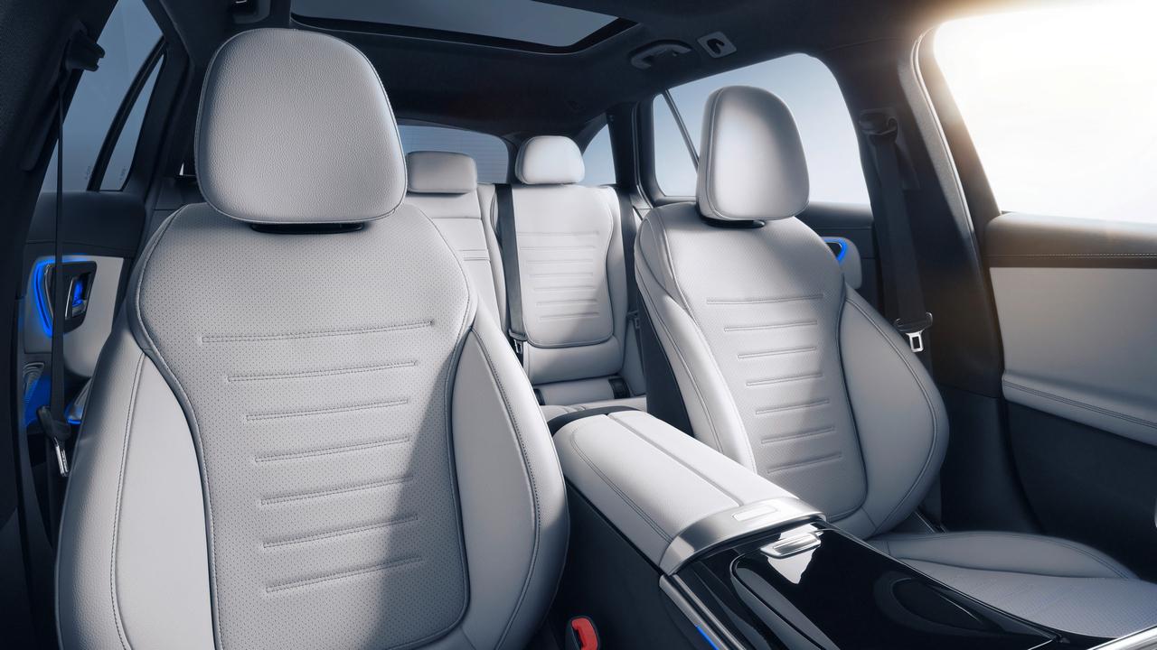 Mercedes-Benz C-Klasse T-Modell, 2021, Spektralblau, Leder zweifarbig Nevagrau/Schwarz. Interieur // Mercedes-Benz C-Class Estate, 2021, spectral blue, neva grey/black leather. Interior