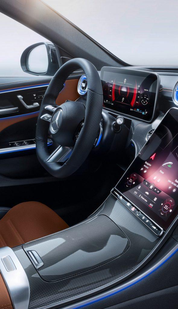 Mercedes-Benz C-Klasse, 2021, Selenitgrau magno, Leder zweifarbig Sienabraun/Schwarz. Interieur // Mercedes-Benz C-Class, 2021, selenite grey magno, siena brown/black leather. Interior