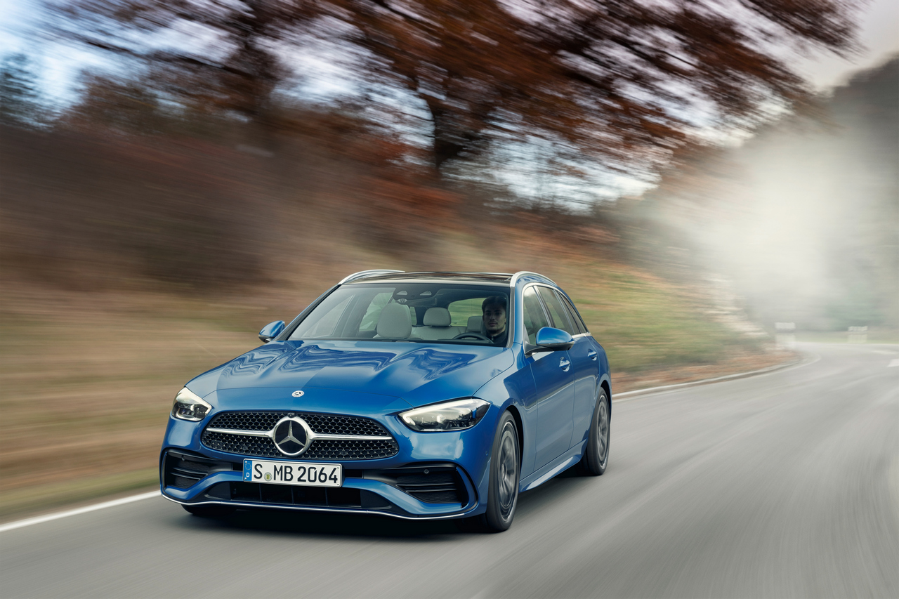 Mercedes-Benz C-Klasse T-Modell, 2021, Spektralblau, Leder zweifarbig Nevagrau/Schwarz // Mercedes-Benz C-Class Estate, 2021, spectral blue, neva grey/black leather