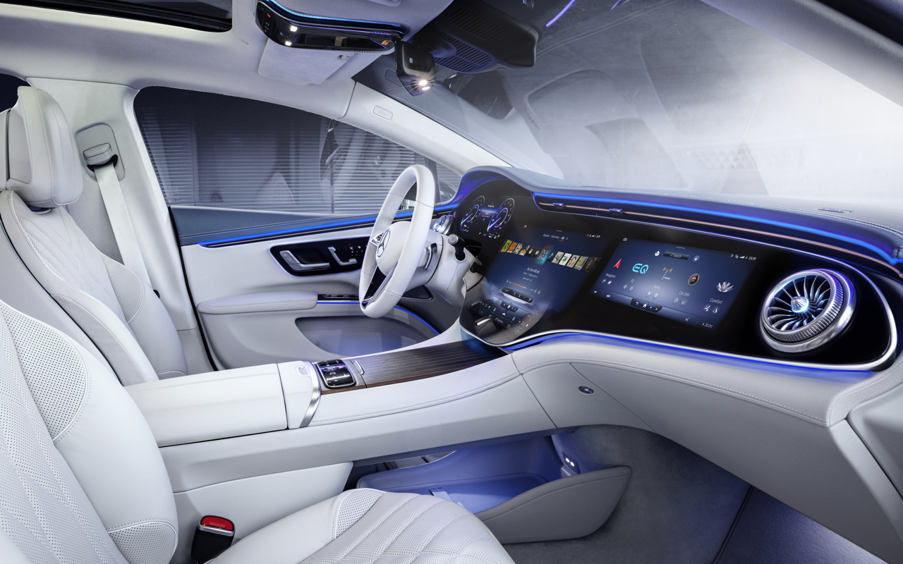 Mercedes-EQ, EQS 580 4MATIC, Interieur, Nevagrau/ Iridescentblau, AMG-Line, Edition 1; ;( Stromverbrauch kombiniert: 20,0-16,9 kWh/100 km; CO2-Emissionen kombiniert: 0 g/km) // Mercedes-EQ, EQS 580 4MATIC, Interior, neva gray/ iridescent blue, AMG-Line, Edition 1; (combined electrical consumption: 20.0-16.9 kWh/100 km; combined CO2 emissions: 0 g/km)
