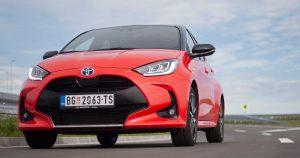 Garaža test – Toyota Yaris 1.5 VVT-i hibrid e-CVT Premiere