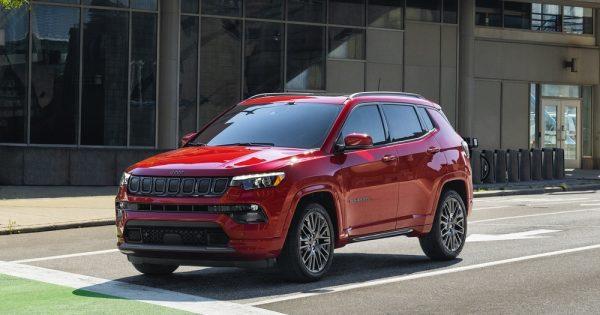 Jeep®, Ram i FIAT sklopili su partnerstvo sa brendom (RED)®