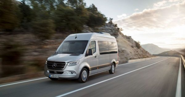 Mercedes-Benz Sprinter sa sveobuhvatno unapređenom pogonskom tehnologijom i inovativnim sistemom kliznih vrata